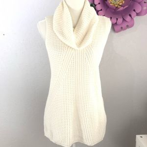 Vince Camuto over sized Neck knit sweater